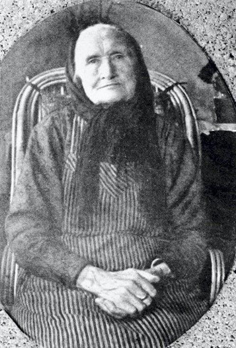 Marit Holmen (1845-1939).