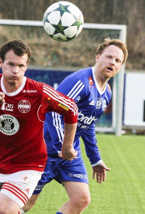 TV-KAMP: Tommy Gjestvang Svendsen (t.h) og Reinsvoll jakter poeng i fredagens tv-sendte oppgjør mot Søndre Land.