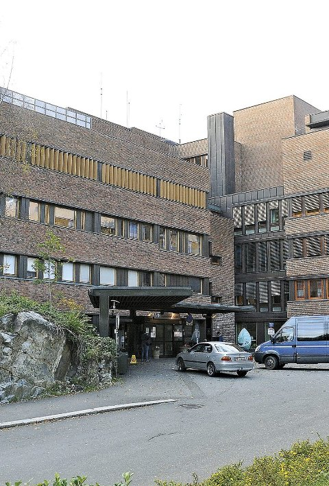 Sørlandet sykehus innfører påbud om munnbind fra og med i morgen.