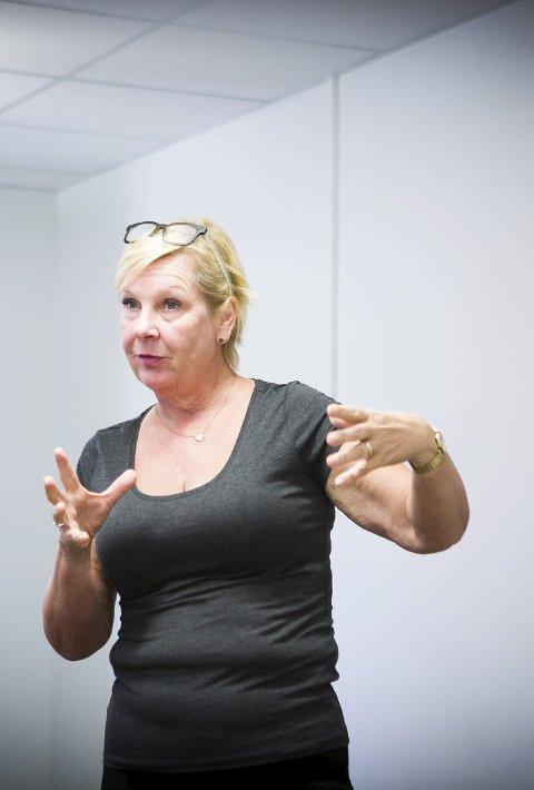VIL INN: Ordfører Hilde Torkildsen beiler til Øvre.