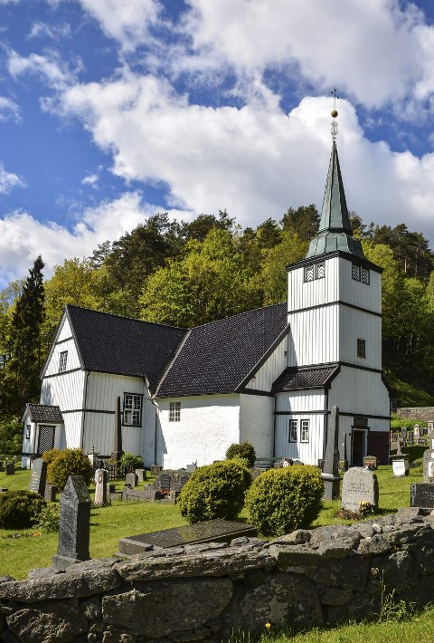 Dypvåg: De fleste som gifter seg i kirken, velger en vielse i Dypvåg kirke.