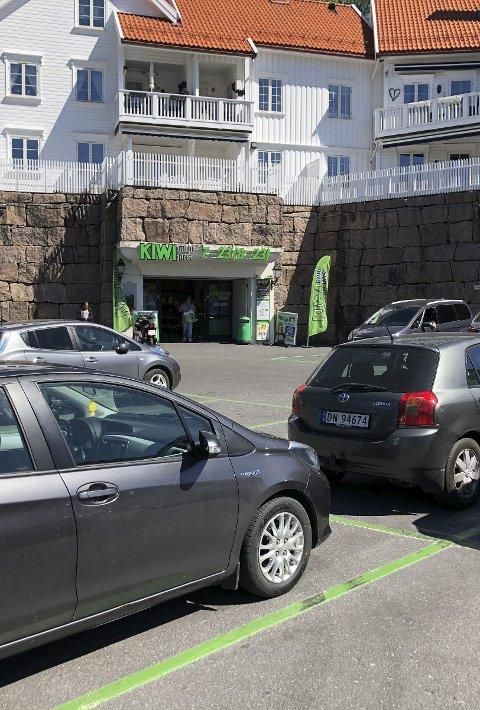 Parkering: Ofte er det fullt av biler parkert på denne plassen. Arkivfoto