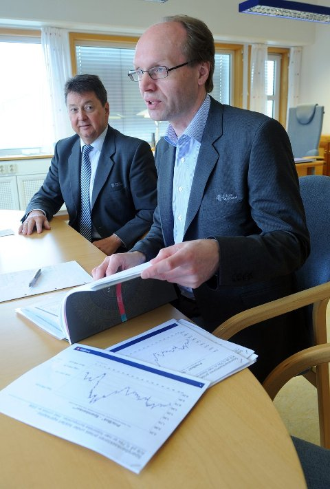 BANKSJEFENE: Rolf Delingsrud (adm.) og Stig Blikseth (viseadm.)