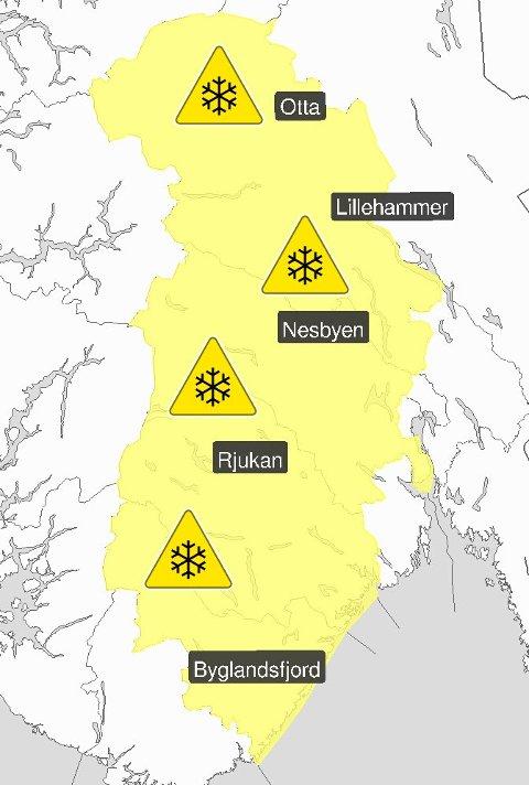 FAREVARSEL: Det er ventet store mengder snø i Buskerud, Telemark, Opplang og Aust-Agder, men i Drammen rekker snøen knapt å legge seg før regnet kommer.