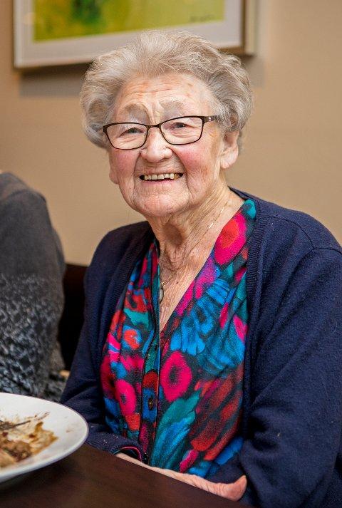 GLAD: – Virkelig trivelig å få komme hit på denne tilstelningen, sier Birgit Aronsen som fyller 101 år 20. januar.