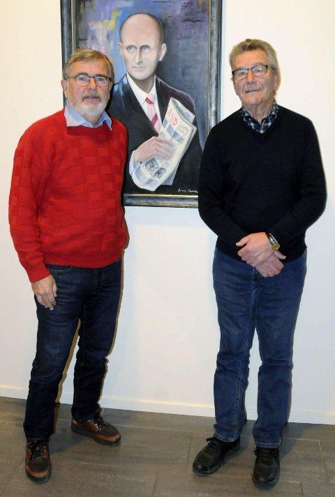 LÆREMESTER: Torfinn Skogsaas henger på veggen i Helgelendingens lokaler. Are og Olav har stor respekt for banebryteren som begynte med 65 kroner i lomma i 1934.t
