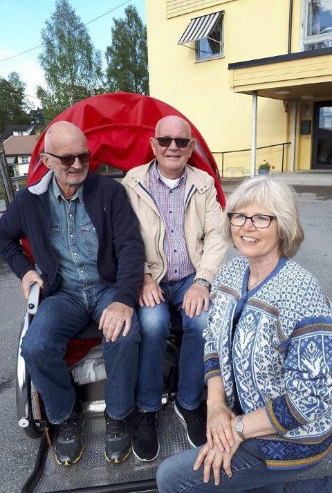 KLARE: Oddlaug Elgetun, Sven Ingar Kristiansen (t.v.) og Per Branderud. Foto: Privat
