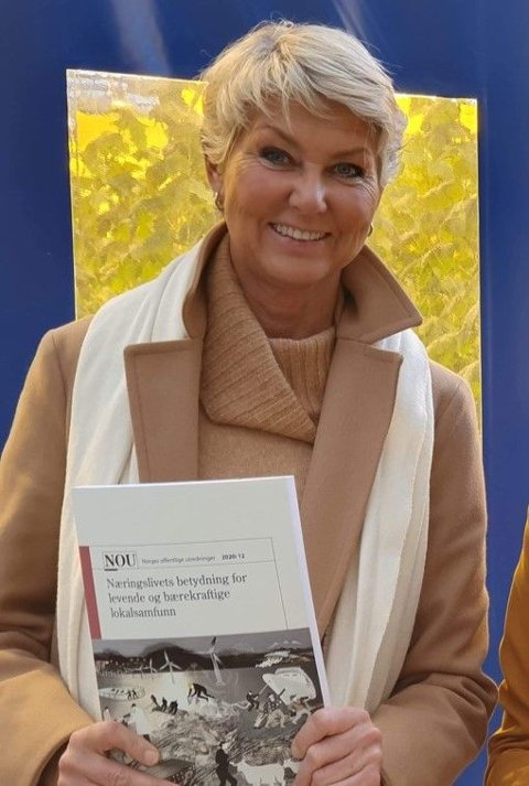 NOU-en fra det regjeringsoppnevnte distriktsnæringsutvalget ble overlevert regjeringen 28.10.2020. Utvalgets tilrådinger gir grunnlag for ny politikk for Norge utenfor storbyene!