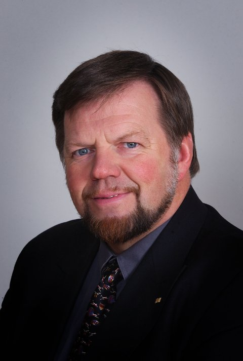 OSLO 20011120: Stortingsrepresentant Einar Holstad, KrF, Akershus. Foto: Bjørn Sigurdsøn / SCANPIX   UTENOM ABONNEMENT- ORDINÆR ARKIVPRIS
