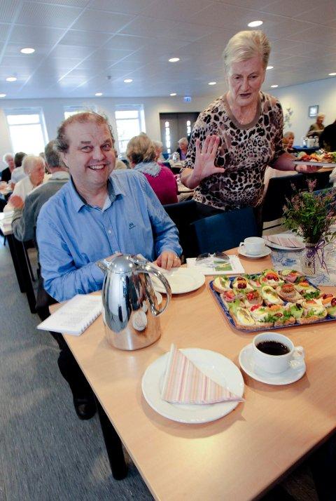 INNBYR: Halvard Sand inviterer til bønnefrokost. Her fra et møte på Misjonshuset på Krapfoss.