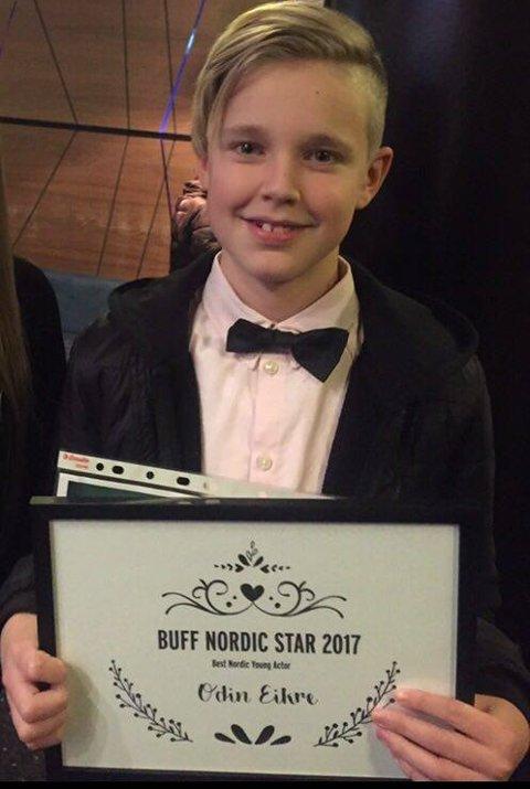 Odin Eikre fra Stokmarknes fikk prisen som beste unge nordiske skuespiller på festivalen Buff i Malmö mandag.