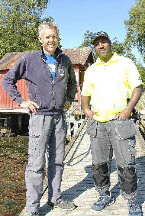 Øyhopper ukentlig: Per Gunnar Roggert og Yacob Saleh Yacob reiser fra øy til øy med Skjærgårdstjenesten hver uke.