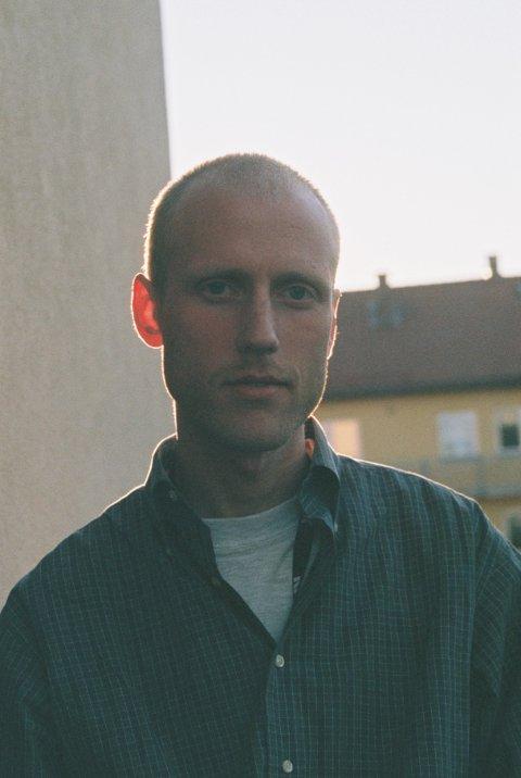 NOMINERT: Mats Muri (28) frå Førde er nominert til Gullruten for programmet 100 Dagar.