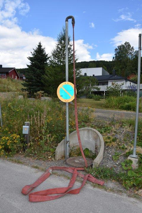 TAPPEPUNKT: Brøttumsvegen nedenfor sykehjemmet på Brøttum er ett av tappepunktene Ringsaker kommune har åpnet.
