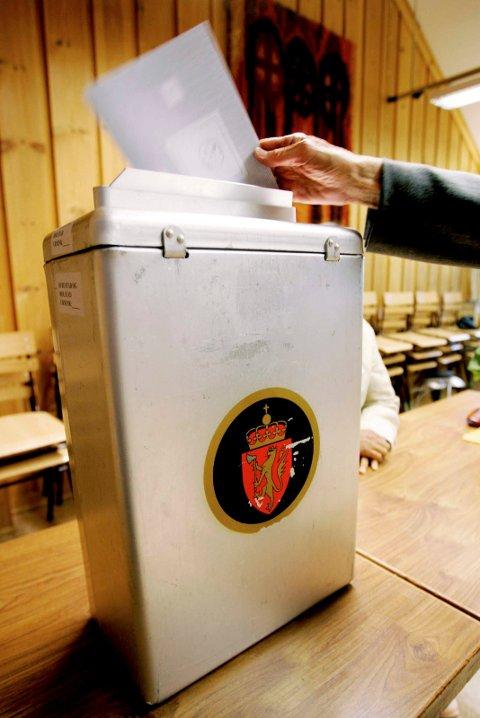 VALG: Informasjon fra Folkeregisteret brukes til mye, blant annet til valgkort.