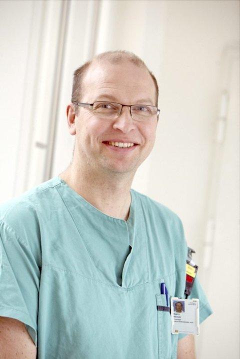 FØRSTE GANG: For hjertelege Bjørn Bendz ved Rikshospitalet er det svært spesielt å hatt ansvaret for behandling av far og sønn i forbindelse med en hjertetransplantasjon. Foto: Privat