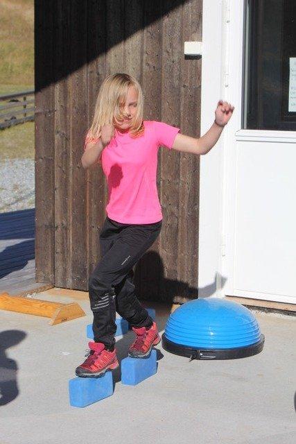 Balanse: Mathilde Nordvik Skogstad viser gode balanseferdigheter.