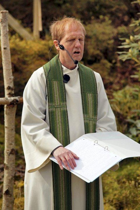 NEI: Magne Bjørndal seier også nei til å vigsla homofile.