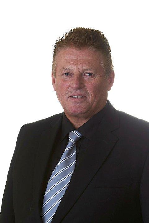 Uenig : Fylkestingsrepresentant Per-Gunnar Skotåm møter fylkestinget med en interpellasjon.