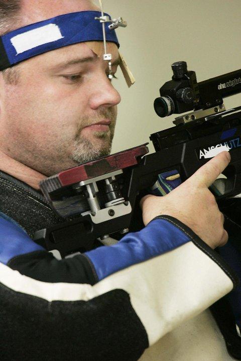 Leif Steinar Rolland, her under OL i 2004, er en av de som sørget for treningen til Sander Nesbø Sælensminde.