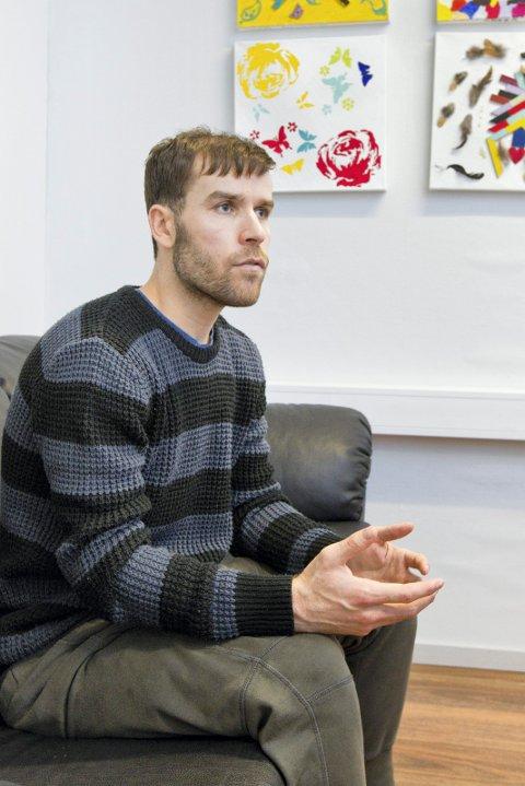 VIL BLI: Sadiqi sier han trives, og vil gå på skole på Kongsvinger slik han gjorde en periode mens han var på mottak i Kristiansand.