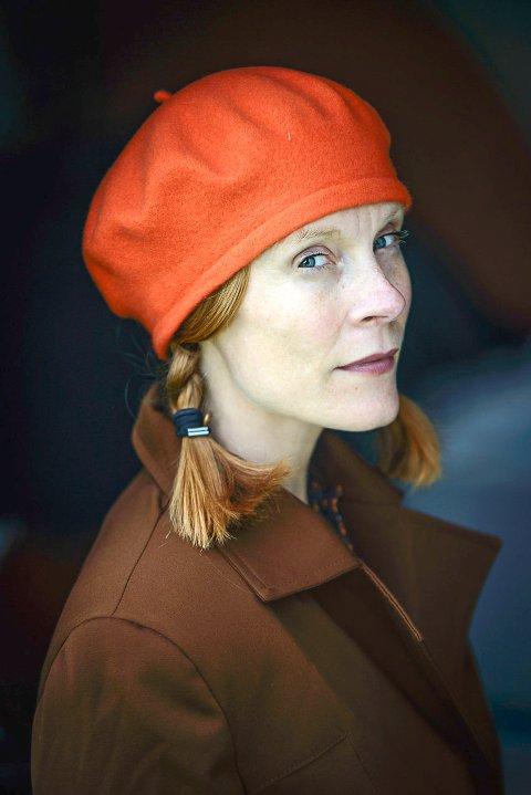 Cecilie Jørstad er profesjonell skuespiller fra Halden.