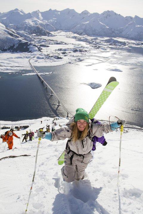 Skitur: Mulighetene og mangfoldet av aktiviteter i Lofoten har vært med på den markante veksten i turismen spesielt i lavsesongen. Alle bildene på denne artikkelen inngår i Norsk Opplevelseskonferanse sin presentasjon. Foto: Kristin Folsland Olsen