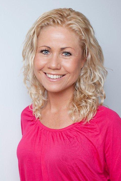 KLINISK ERNÆRINGSFYSIOLOG: Tine Sundfør Mejlbo oppfordrer nordmenn til å følge kostrådene fra Helsedirektoratet for å sikre inntaket av vitaminer og mineraler.