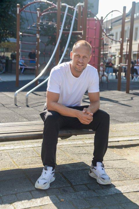 HØNEFOSS-FAN: Mads Hansen trives i sin nye «hjemby».