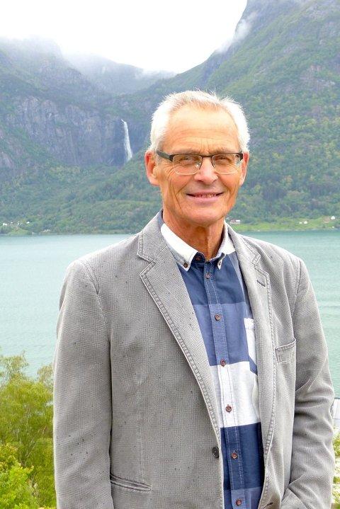 Jon Ove Lomheim, Venstre.