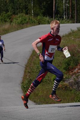 GULL: Lørdag løp Verdalingen Martin Vehus Skjerve inn til stafettgull for Norge under ungdoms-EM i orientering.