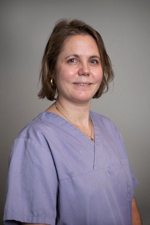 """VETERINÆR: Live Strøm driver  klinikken """"Dyrlegen på Nesodden"""". Hun holder til i Flaskebekk senter på Nesodden."""
