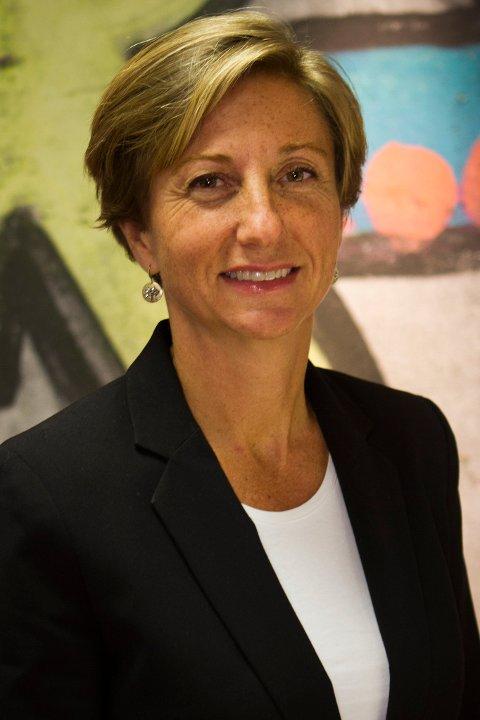 Seniorrådgiver Elin Saga Kjørholt i Barneombudet sier hun er bekymret for situasjonen.
