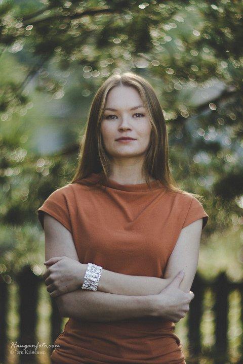 FRA FARMOR: – Kruanavaajja, den grønne dalen, er et sted som gjorde meg nysgjerrig på naturens egenart og ulike landskap, sier Marja Mortensson. Farmoren Inga Mortensson har beskrevet dalen for henne.