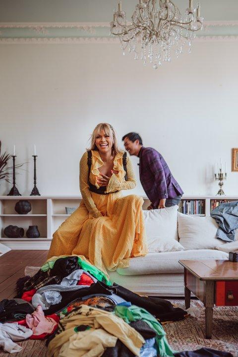 KLESSJOKK: I NRK-serien «Sløsesjokket» blir Alexandra Joner konfrontert med eget forbruk.