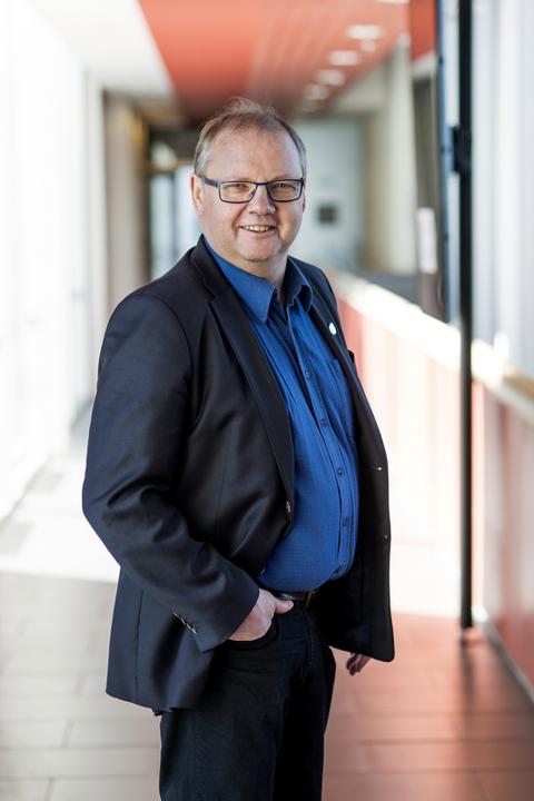 ¨- Noen må ha feilet katastrofalt i ansettelsesprosessen, sier Jonny Gulbrandsen i Fremskrittspartiet.