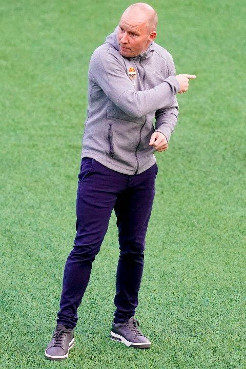 FORNØYD TRENER: Henrik Pedersen er meget tilfreds med hvordan spillerne hans har respondert på trening de siste ukene.