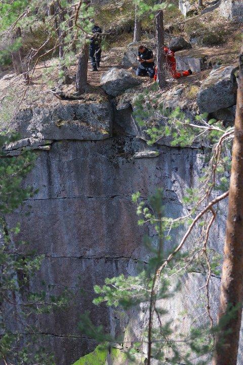 Mannen falt rundt 50 meter ned fra kanten av Kjøsterudjuvet og omkom.