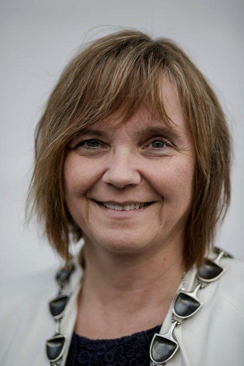 POSITIV UTVIKLING: Gunn Åmdal Mongstad (Sp) er velding fornøgd med utviklinga i folketalet, og håpar den vil fortsette.