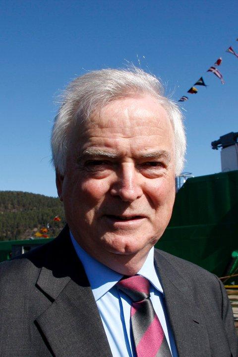Sidan børsnoterina i 2014 har Per Sævik i Havila opplevd eit verdifall på 425 millionar. No må han selje unna verdiar grunna gjeld.