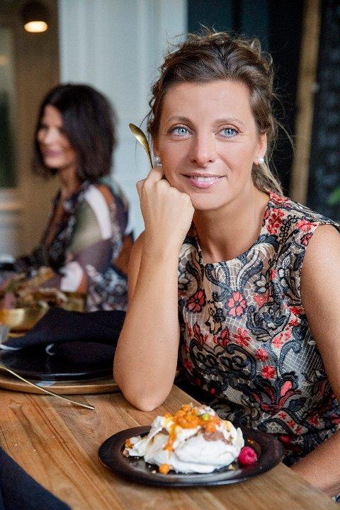 Kokk Lise Finckenhagen er ute med ny kokebok, og den er nominert til pris.