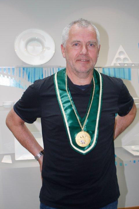 Sales manager Marthon Tjessem ved Figgjo AS mener kvaliteten på porselenet er viktigere enn at Figgjo er en lokal bedrift.