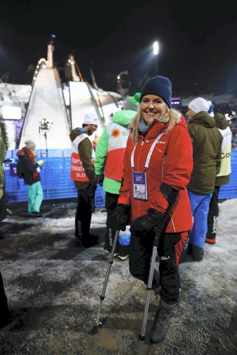 PÅ PLASS: Ingrid Sørli Glomnes var tilbake i hoppbakken i går kveld etter den alvorlige prolapsen i ryggen