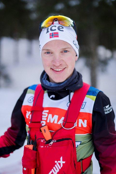FRA VASK TIL SMØRNING: Lasse Ringkilen (24) fra Nord-Odal begynte sin yrkeskarriere som vaskegutt. Nå jobber han som skismører på skiskytterlandslaget.