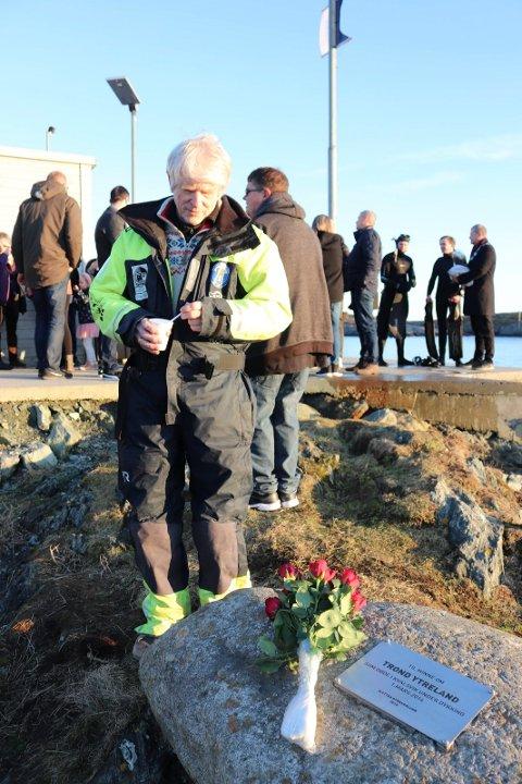 INITIATIV: Lars Einar Hollund i Slettaa Dykkerklubb har sørget for å få minnesmerket i stand.