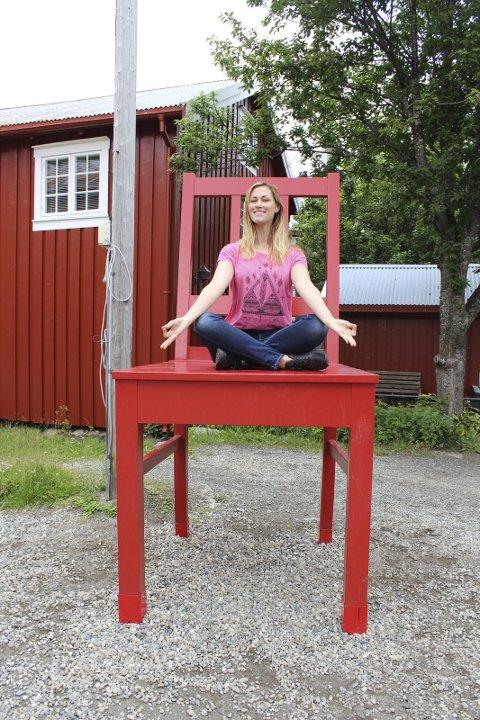 YOGA: Når hun ikke er formidlingsleder er Katrine Remmen Wiken ivrig bruker av yoga, både på fritiden og som instruktør på Frisk 3.