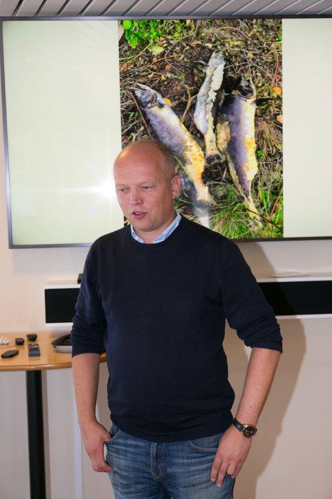 FINNMARKSBESØK: Ett av de viktigste temaene under finnmarksbesøket for Sp-leder Trygve Slagsvold Vedum er russelaksen.