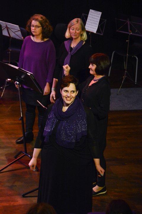 Jeanne Marie Børretzen (fremst) var solist då Kammerskoret framførte «Mata del anima sola» frå Venezuela.