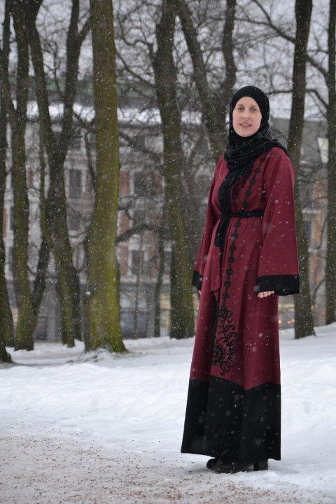 Marie Rosmunda Guddal Gangdal (27) frå Naterstad konverterte til islam i 2014. I dag er ho busett i Oslo i lag med ektemannen og sonen, og har gjort bøna, fasta og andre muslimske skikkar til ein del av kvardagen sin.