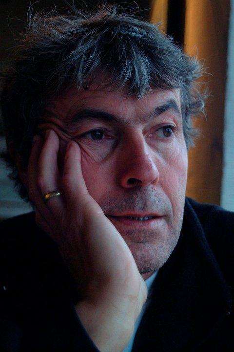Døde: Forfatter, journalist, fotograf og NRK stemme Frank A. Jenssen fra Tysfjord og Svolvær døde 65 år gammel. Foto: Lofotposten